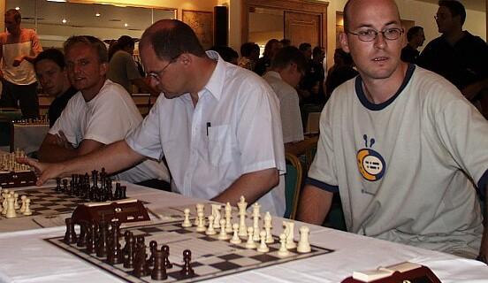 Pool-Varianten in Reserve – Schachfreunde Neukölln tasten sich zur Europäischen Mannschaftsmeisterschaft auf Kreta vor