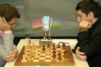 Aronian erneut allein in Führung!