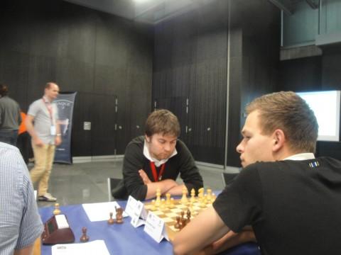 Daniel McGowan, der für die 4. Mannschaft der Schachfreunde spielt, tritt beim ECC für Edinburgh an.