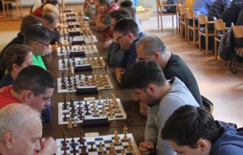 Spaßblitz Juli:Thiede vor Chatzidakis vor Paulsen
