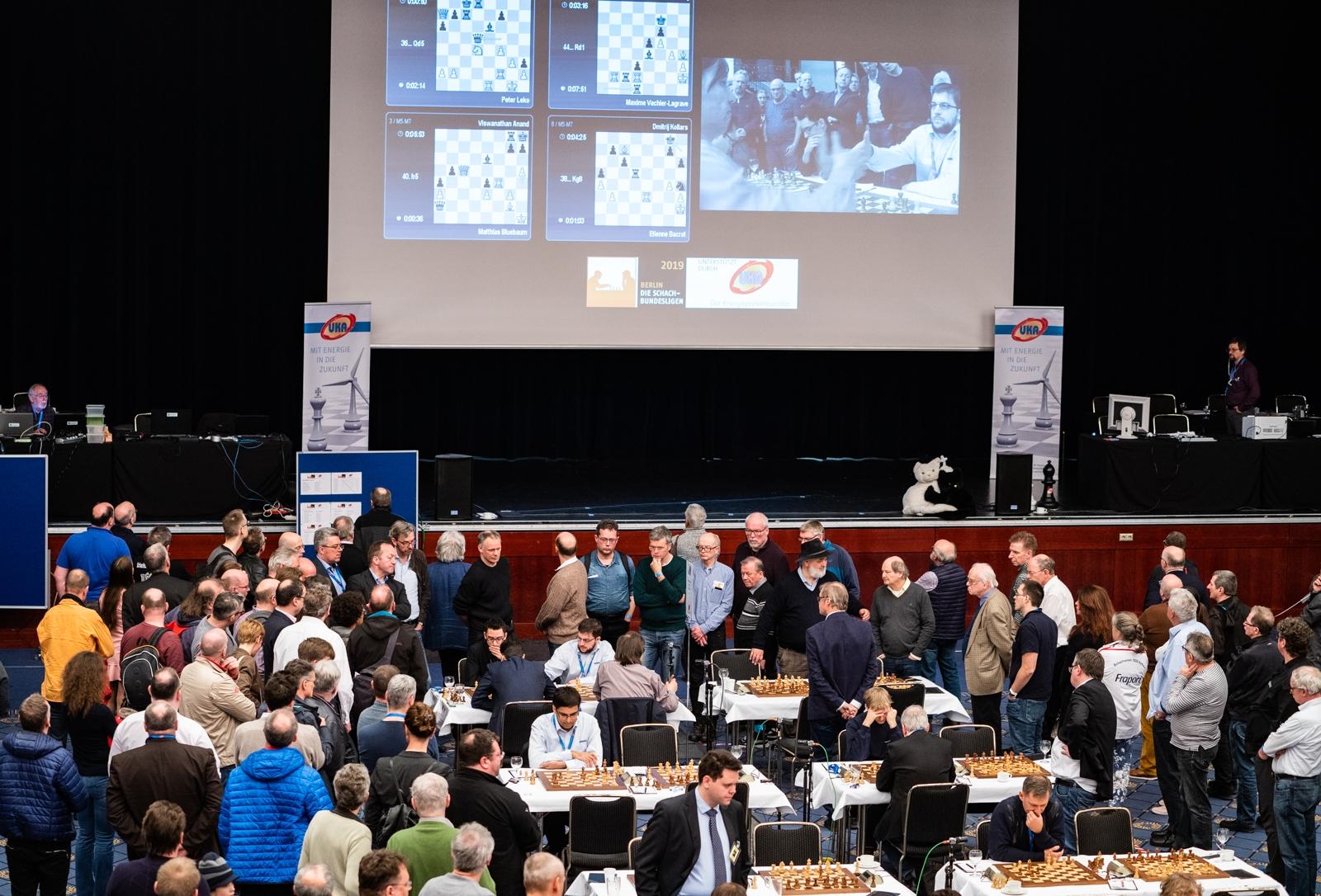 Die Schachbundesliga kehrt mit Hauptsponsor UKA am 14.Oktober 2021 in Berlin ans Brett zurück!